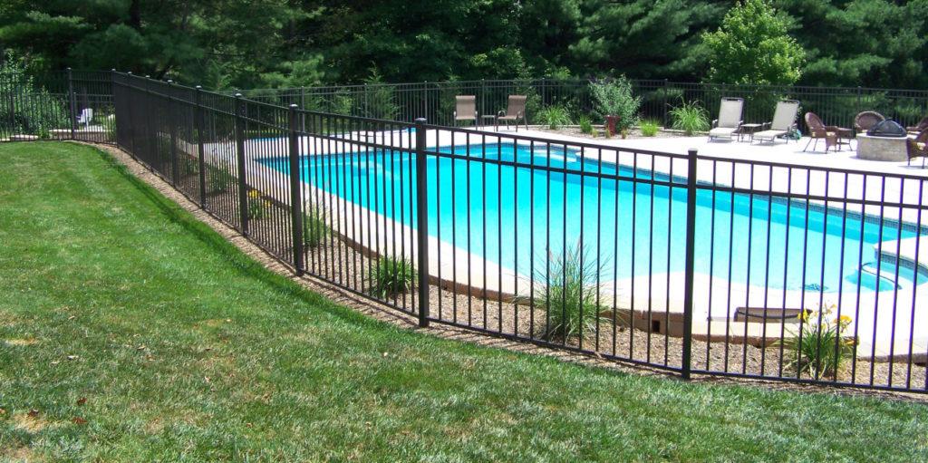 Cloture de piscine bromont versant est